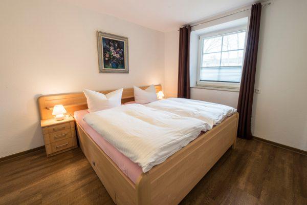 Schlafzimmer in der Fewo Neuensien in Seedorf auf Rügen