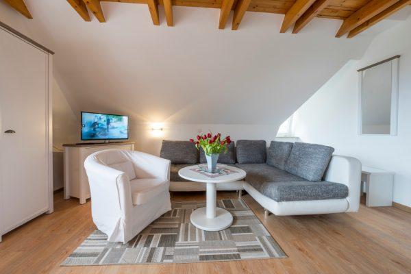 Urlaub in der Ferienwohnung Landhaus am See in Neuensien auf Rügen