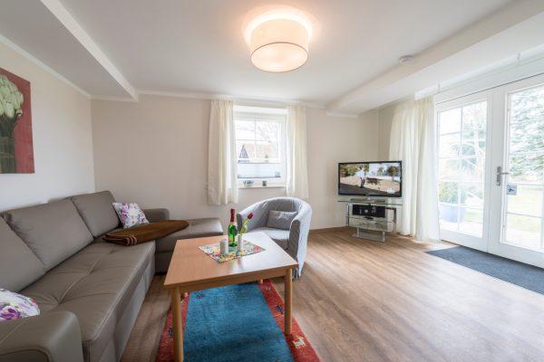 Wohnzimmer der Fewo Landhaus am See in Neuensien auf Rügen