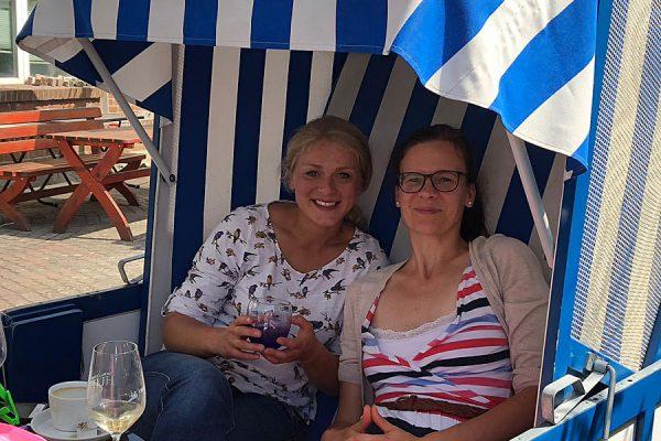Gäste vom Café Anleger im Naturhafen von Seedorf auf Rügen